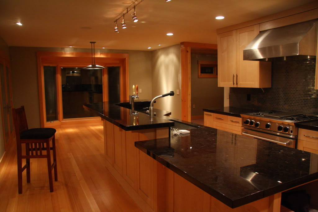 Honey Maple Cabinets 7449