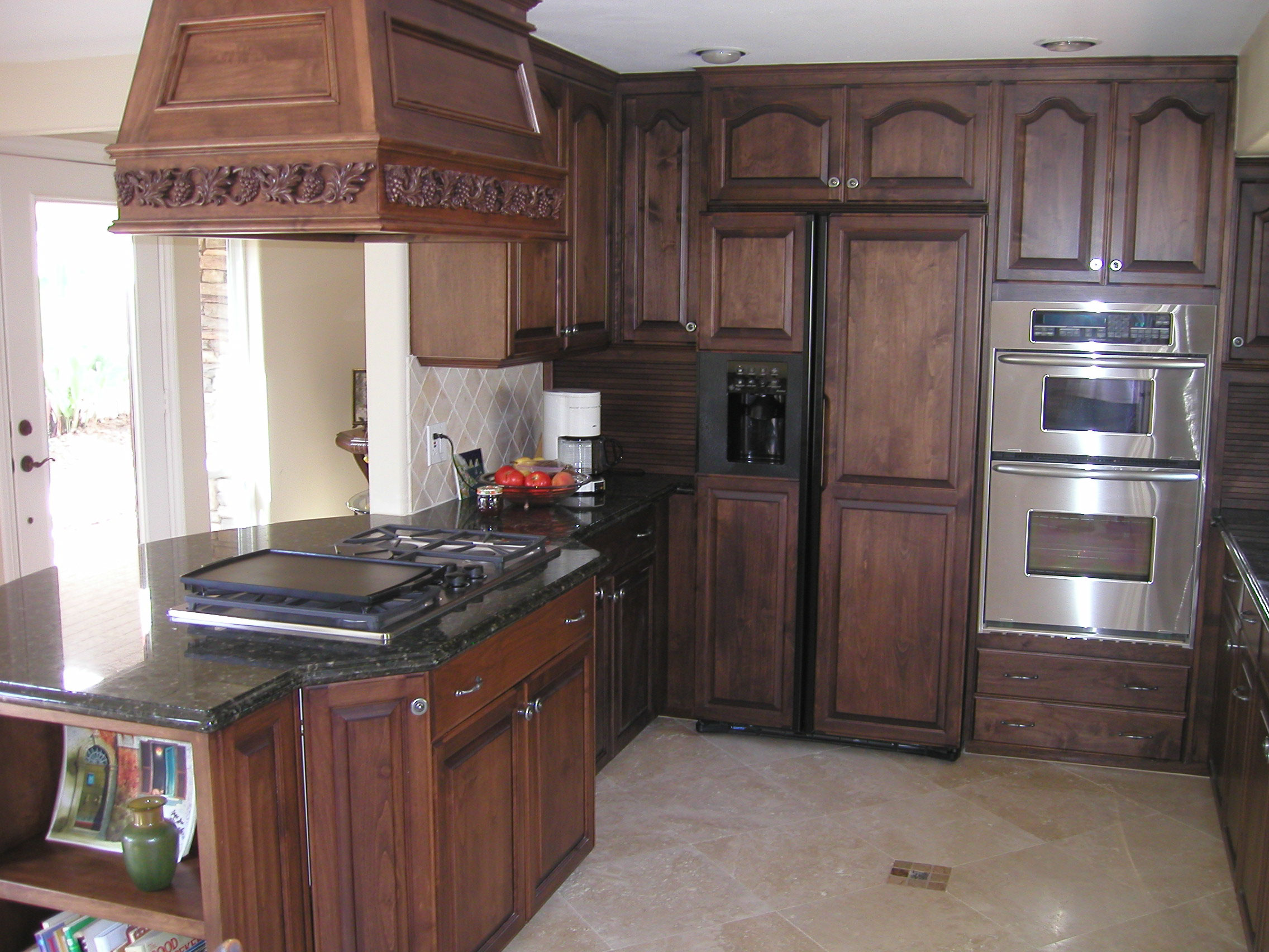 Kitchen image kitchen bathroom design center for Dark oak kitchen cabinets