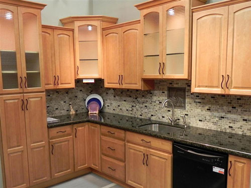Kitchen-Oak-Cabinets Painted Maple Shaker Kitchen Ideas on fitted kitchen, 10x10 kitchen, modern oak kitchen, modern maple kitchen, maple kitchen cabinets, 8 by 12 kitchen, knotty pine kitchen, company kitchen, natural wood kitchen, maple spice kitchen, aga kitchen,